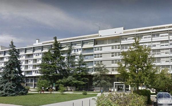בית החולים הנוירוכירורגי Wertheimer ב-Lyon.